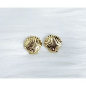 Vintage Napier Sea Shell Clam Gold Earrings